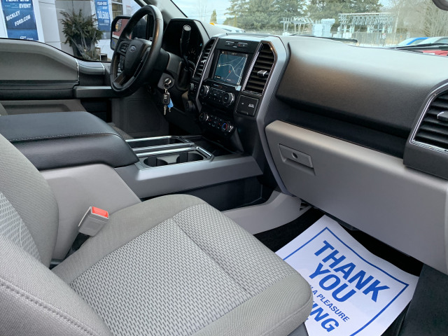 2018 Ford F-150 XLT w/HEATED SEATS, NAVIGATION, 20 INCH CHROME WHEELS, ONE OWNER
