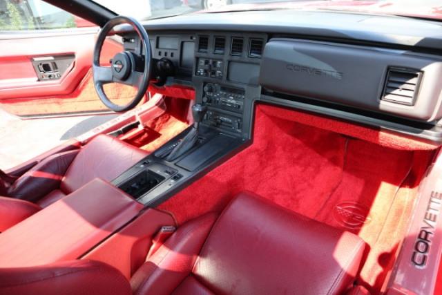 1985 Chevrolet CORVETTE 5.7L V8 RWD