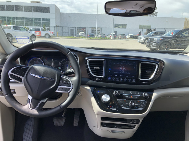 2017 Chrysler Pacifica Touring L Plus