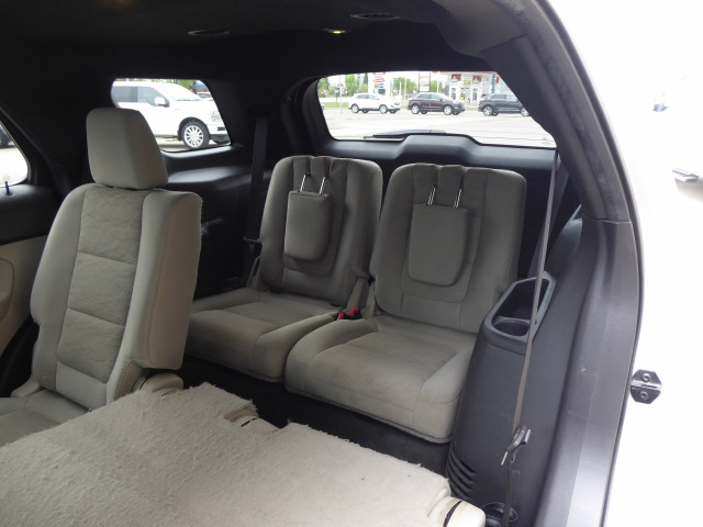2015 Ford Explorer Base 4WD w/ 3.5L V6 Engine