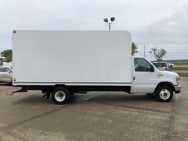 2019 Ford Econoline 450 Cutaway Base DRW