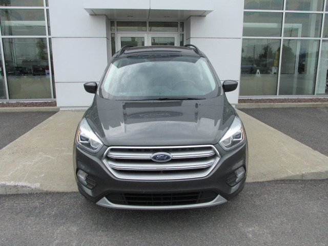 2017 Ford ESCAPE SE 4WD 1.5 ECOBOOST ELECT SEAT, ROOF RAILS, SYNC 3