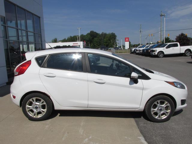 2015 Ford FIESTA SE FWD
