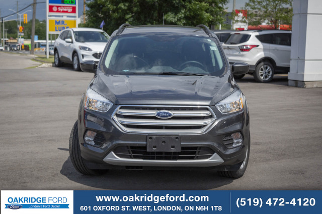 2018 Ford Escape SE, LOCALLY OWNED AND SERVICED AWD ESCAPE. LOW KM!