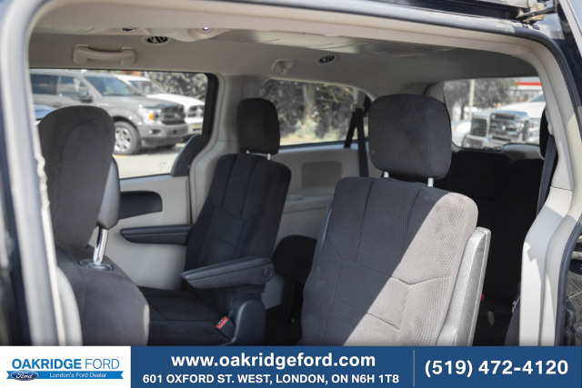 2014 Chrysler Town and Country Touring, FAMILY MOVER ! CLASSY TOWN AND COUNTRY