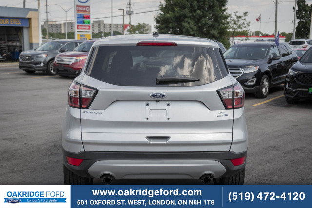 2017 Ford Escape SE, ONLY 29K ! LOW KM, RARE 2.0 L, AWD!