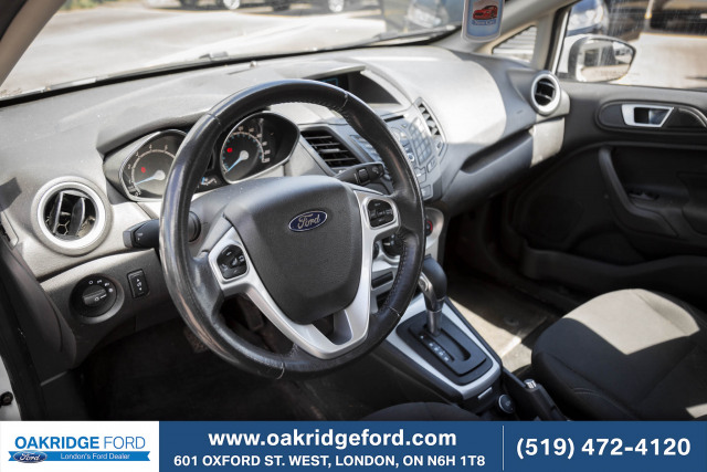 2016 Ford Fiesta SE, GAS MISER,, GREAT COMMUTER