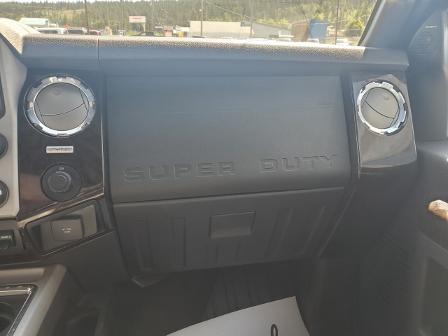 2016 Ford SUPER DUTY F-350 SRW LARIAT