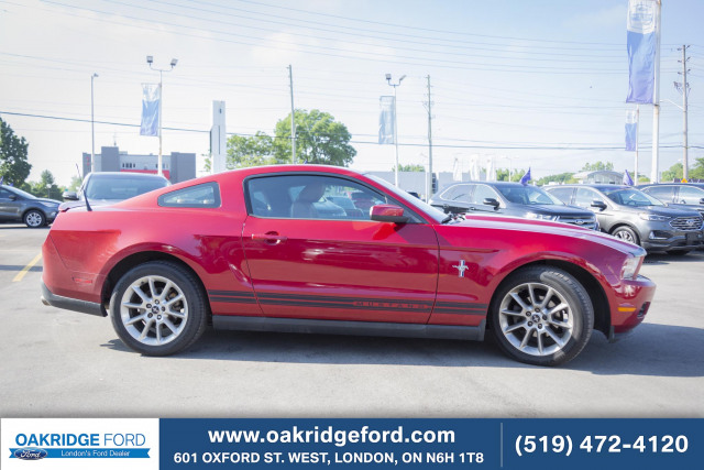 2010 Ford Mustang V6, MUST BE SEEN, CAR IS LIKE NEW!!