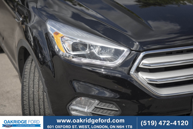 2017 Ford Escape Titanium Low Km Touring Package, Navigation, Moon Roof, Tech Pac