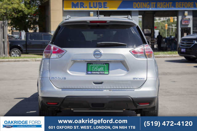 2016 Nissan Rogue SV, One Owner , locally owned and serviced.