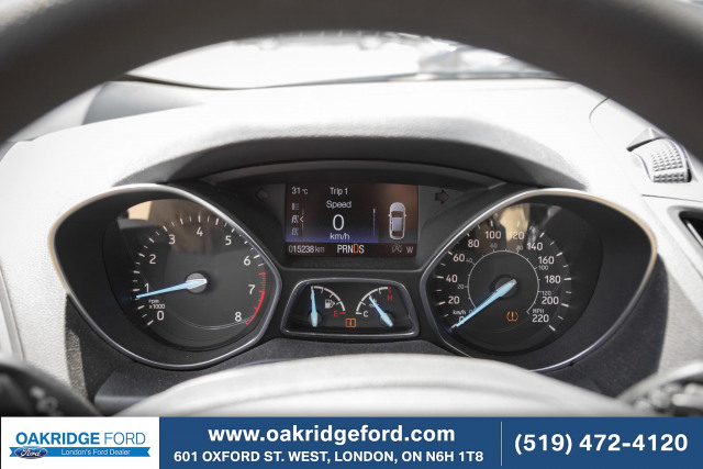 2017 Ford Escape SE,HARD TO FIND WITH ONLY 15 K ! AWD TOO!