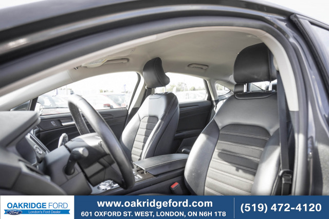 2018 Ford Fusion SE, One owner, bought and serviced at Oakridge