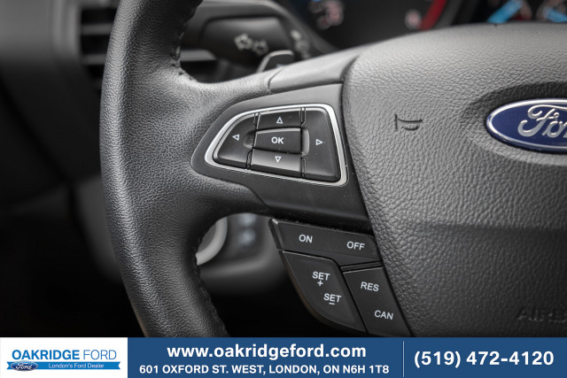 2017 Ford Escape SE, Leather, Moon Roof, Navigation, AWD