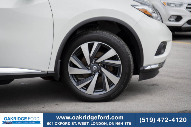 2016 Nissan Murano Platinum, Immaculate condition. Shows beautifully