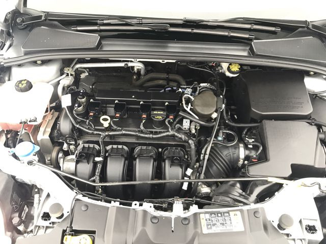 2014 Ford Focus SE FWD w/ 2.0L Engine