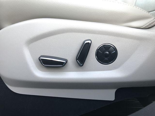 2018 Ford Explorer Limited 4WD w/ 3.5L V6 Engine