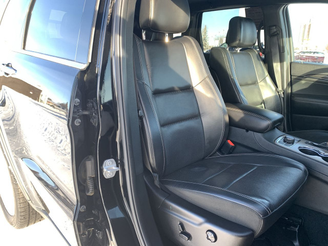 2017 Jeep Grand Cherokee Limited 4WD w/ 3.6L V6 Engine