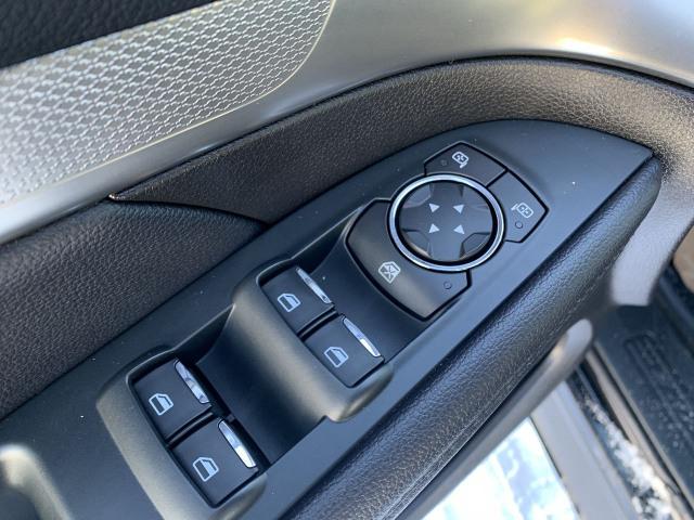 2018 Ford Explorer XLT 4WD w/ 3.5L V6 Engine