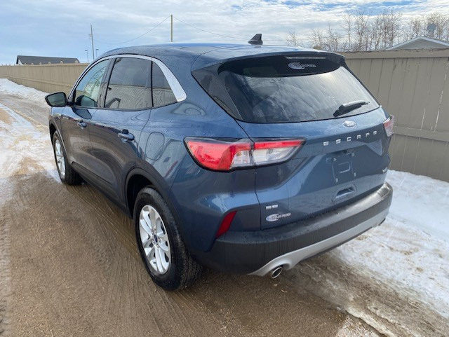 2020 Ford Escape SE