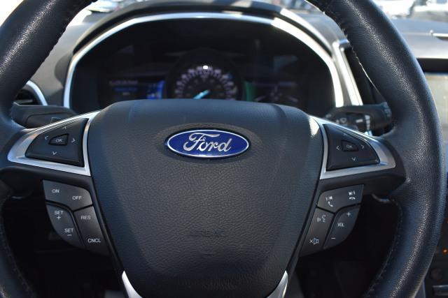 2017 Ford Edge Titanium FWD Titanium