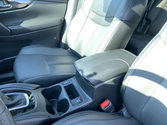 2017 Nissan Rogue SL Platinum AWD w/ 2.5L Engine