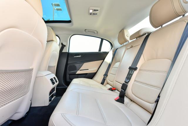 2017 Jaguar XE 2.0 Prestige