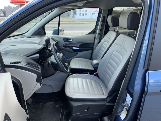 2019 Ford Transit Connect Titanium FWD w/ 2.0L Engine