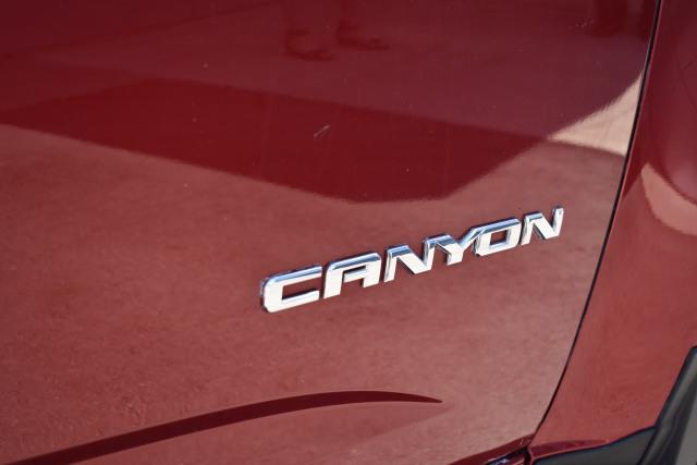 2017 GMC Canyon Crew CAB SWB SLT