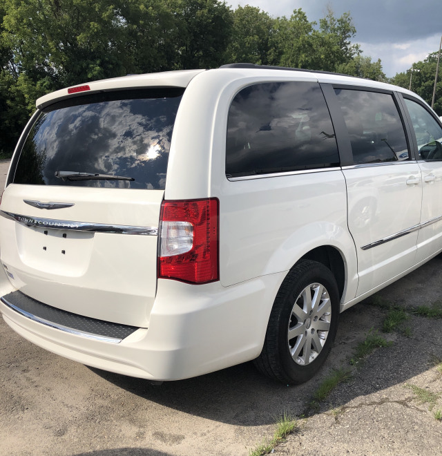 2013 Chrysler Town and Country Touring Wagon
