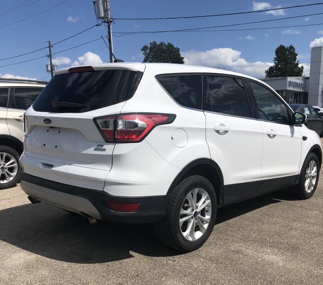 2017 Ford Escape SE - FWD