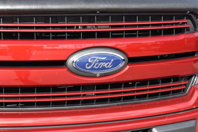 2018 Ford F-150 Crew Cab Lariat 157