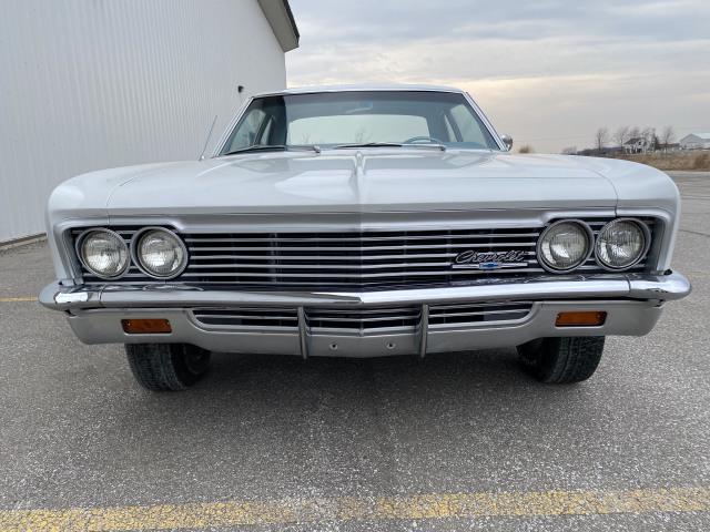 1966 Chevrolet Biscayne 427