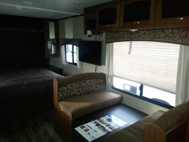 2017 Jayco JAY FEATHER 22FQSW -
