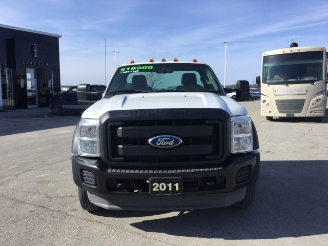 2011 Ford F-450 Chassis Cab XL 4x2