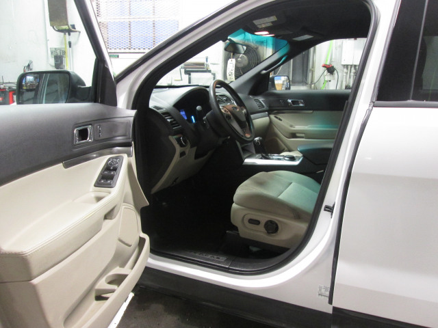 2014 Ford Explorer de base