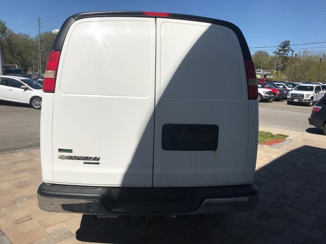2011 Chevrolet Express 3500 Base