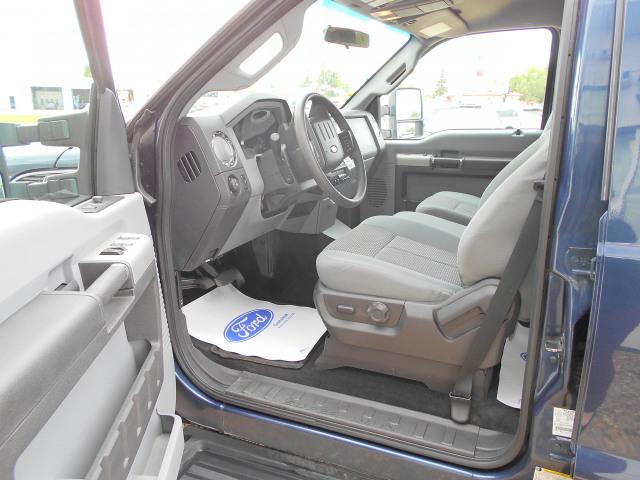 2016 Ford Super Duty F-350 DRW 4WD Crew Cab 8 Ft Box XLT