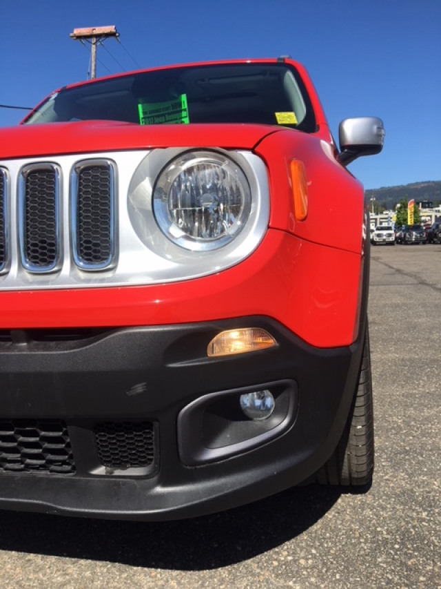 2017 Jeep Renegade Limited 4x4   Leather   Sunroof   Navigation