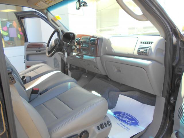 2006 Ford Super Duty F-350 SRW Crew Cab 4WD