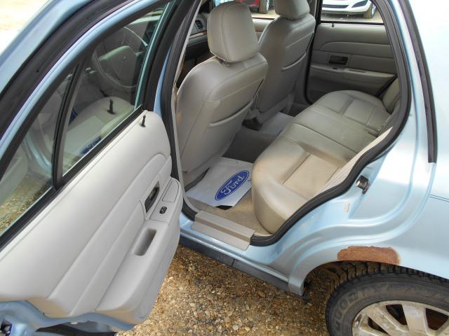 2008 Ford Crown Victoria Sedan LX