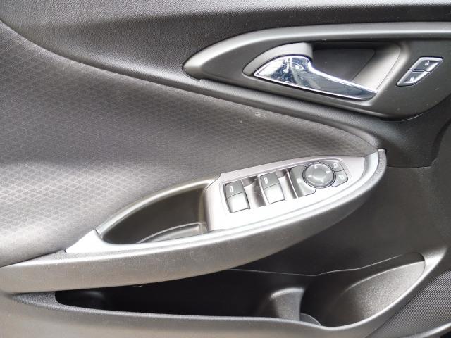 2016 Chevrolet Malibu LT-Back up Camera Bluetooth