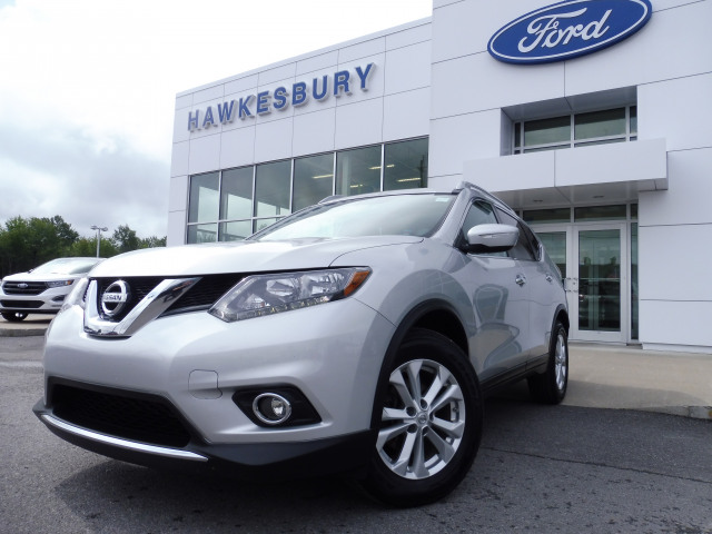 2015 Nissan Rogue SV-Fwd-Panoramic Sunroof