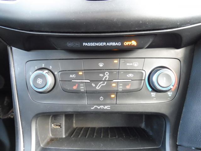 2017 Ford Focus SE-Sedan-2.0L-Winter Pkg
